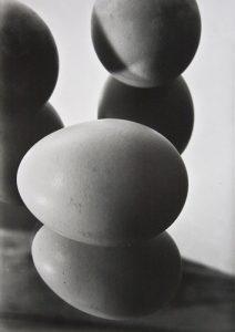 Eier im Spiegel II, 1929 / 2003