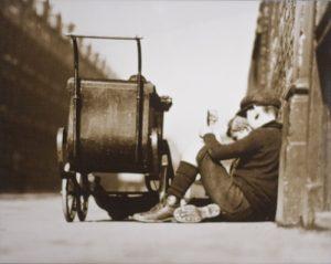 Reiseimpressionen - Kinder auf der Straße, 1920-30 / Abzug 1940 - 50